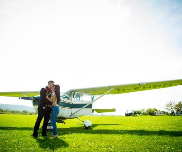LoveWeddings Heiratsantrag Flughafen