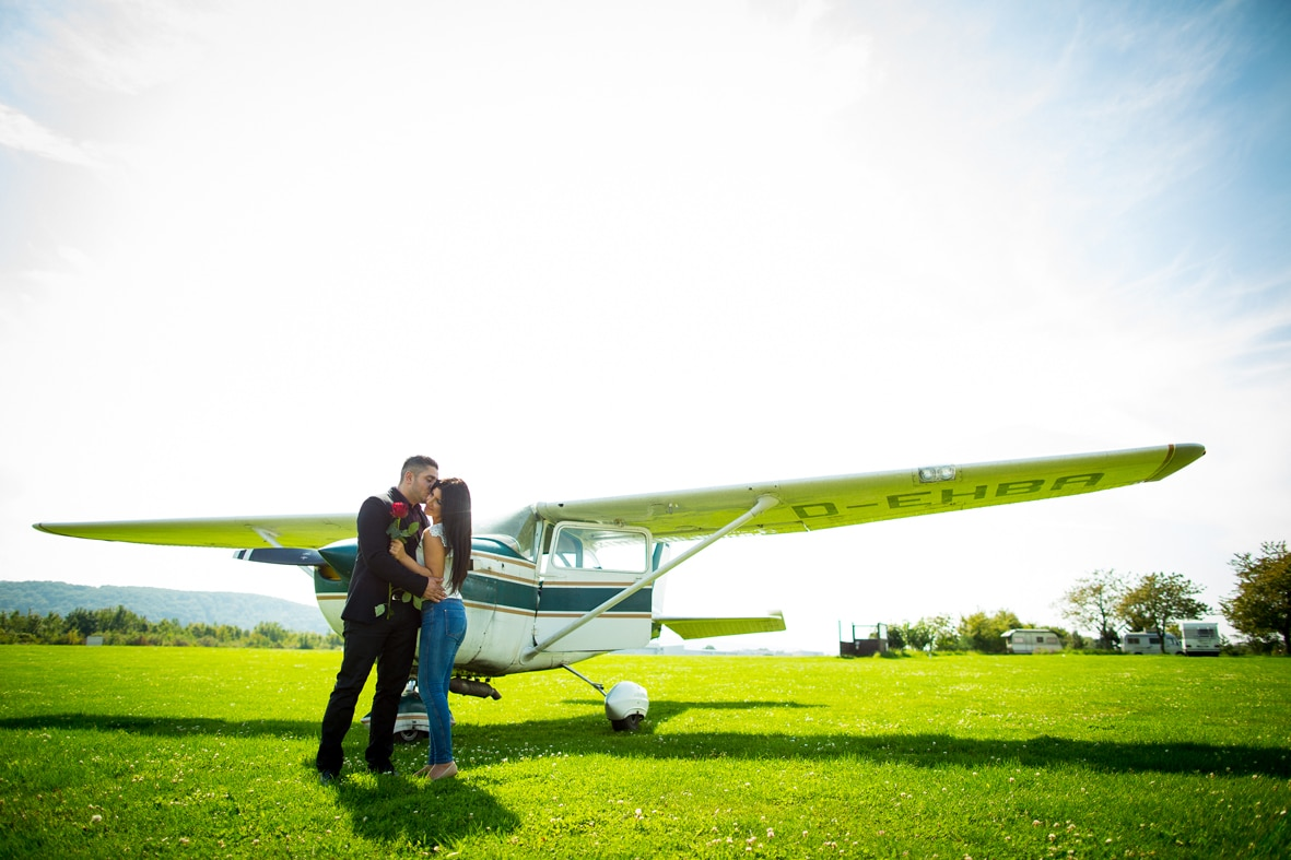 LoveWeddings Heiratsantrag Flughafen